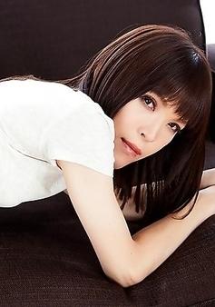 Beautiful japan shemale Kawai Yui fingering and masturbate
